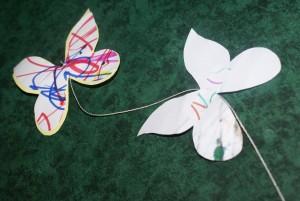 papillon en papier coloré au gros feutre