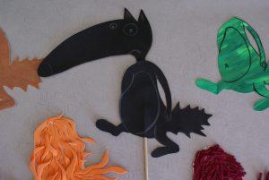 silhouette en canson noir du loup qui voulait changer de couleur