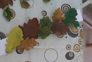 montage de la couronne de feuilles